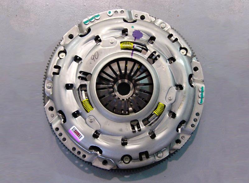 Walkinshaw Performance   VXR8 Genuine GM LS7 Clutch & Flywheel